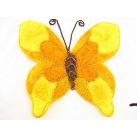 Duży motyl z sizalu 62 cm