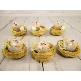 Kurczaki wielkanocne w gniazdkach 6 cm, mix w kpl. 6 szt.